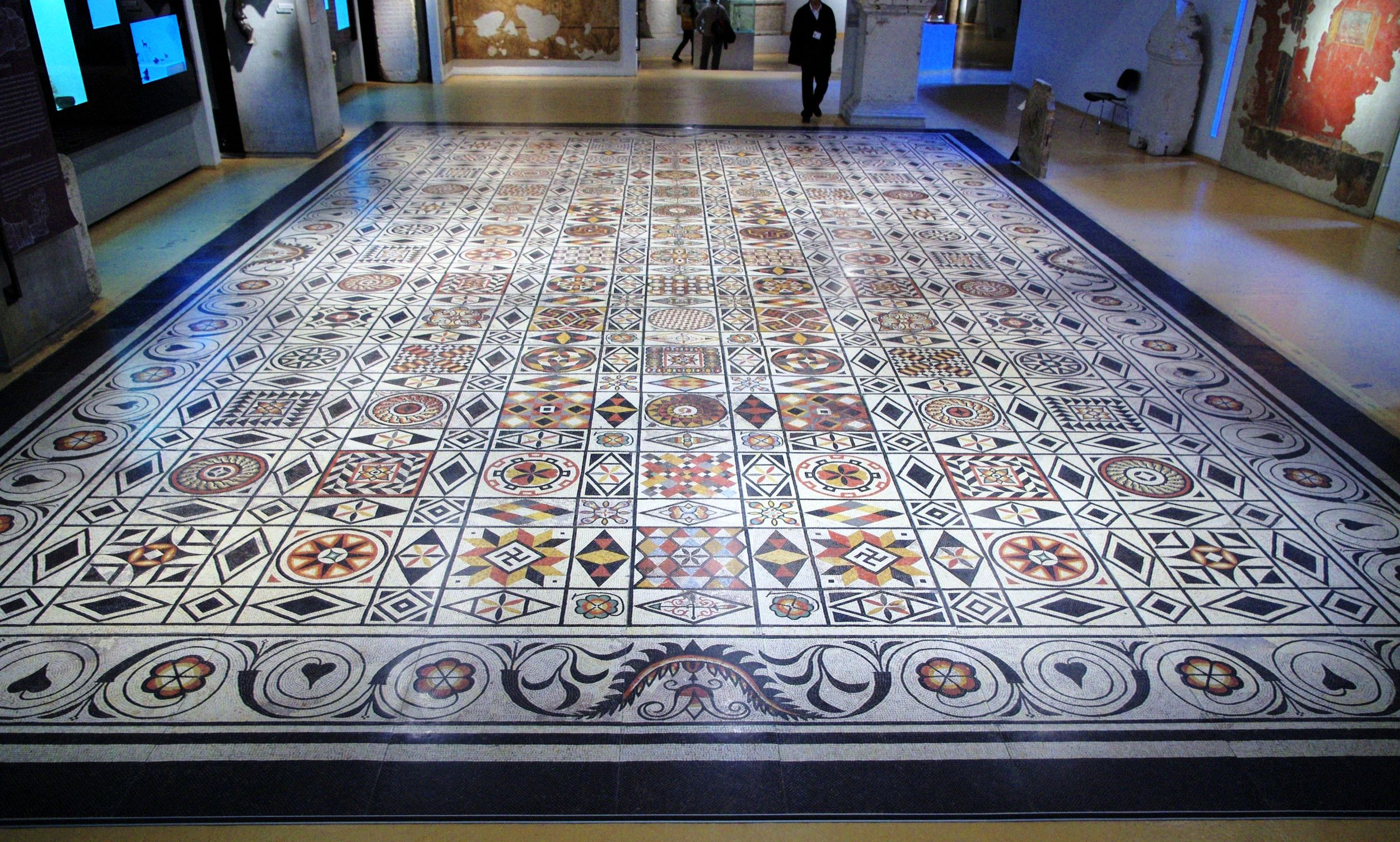 Creative use of marble floor tile patterns thar marbles creative use of marble floor tile patterns dailygadgetfo Gallery